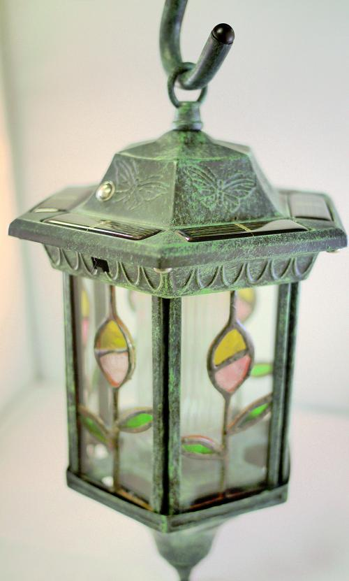Hanging Solar Light With Stained Glass Lens